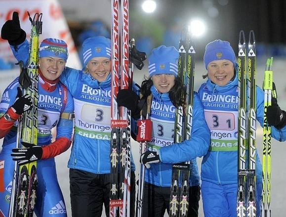 Сборная России по биатлону выигрывает эстафету 4 января 2012