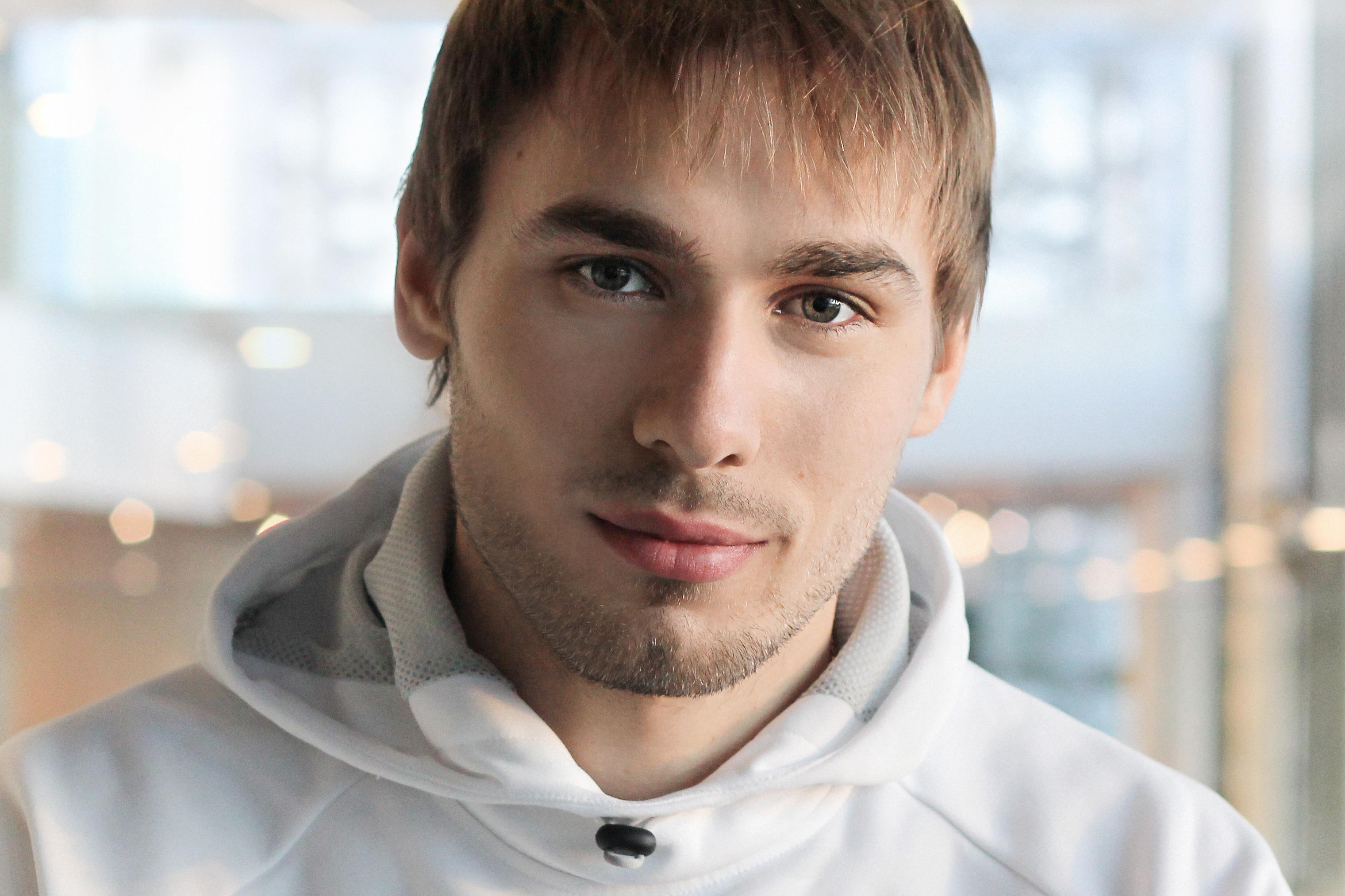 Биатлонист Антон Шипулин посетил оздоровительный лагерь