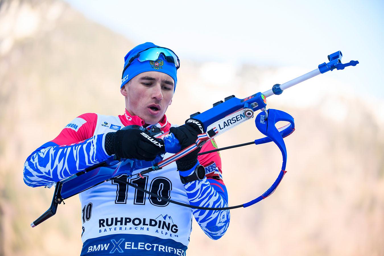 rossija-stala-vtoroj-v-estafete-na-che-po-biatlonu_15828714061699076928